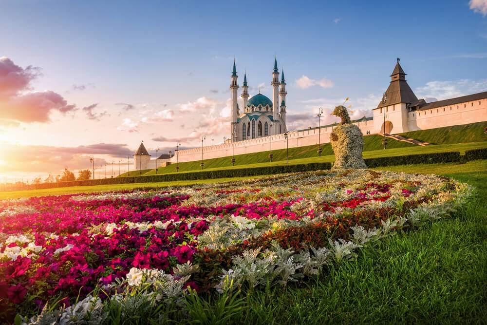 Kazan-Kremlin-and-Kul-Sharif-mosque-Kazan