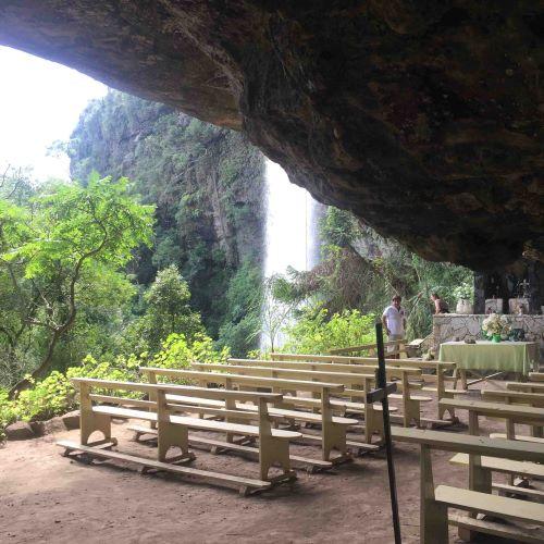 igreja gruta m