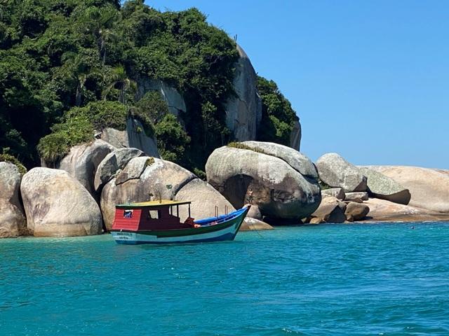 Barco na Ilha do Campeche